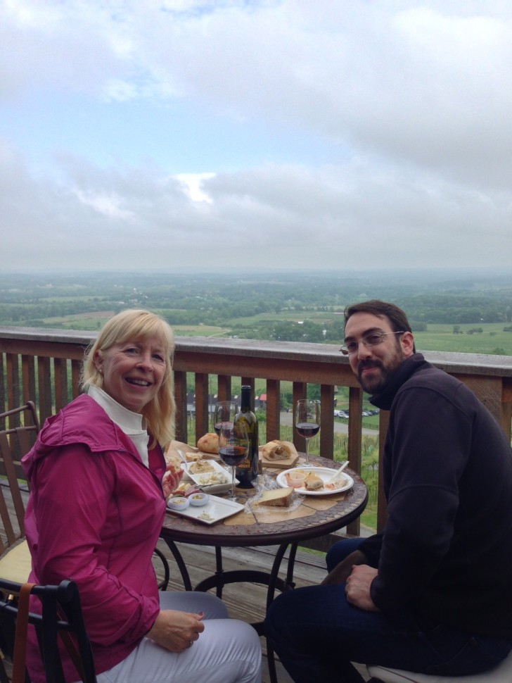Maud and Casey at Bluemont Vineyard