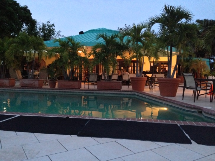 Pool and resturant